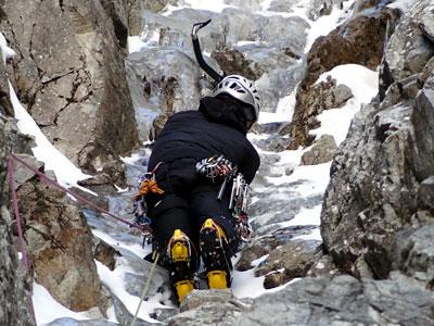 curso-alpinismo-avanzado-madrid-gredos-pirineos-guias-boira-hielo-mixto-dry-tooling