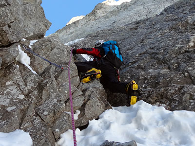 curso-alpinismo-avanzado-madrid-gredos-pirineos-guiasboira-hielo-mixto-dry-tooling