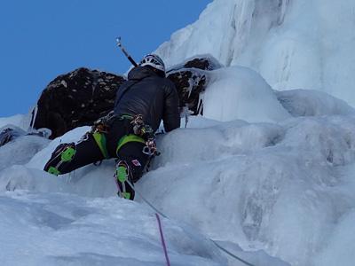 curso-escalada-en-hielo-mad