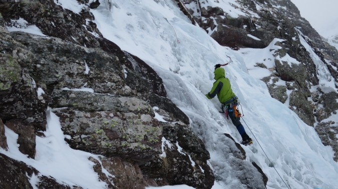 Curso escalada en hielo Canal Roya
